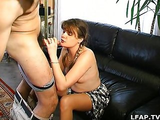 Hairy amateur french girl fucked on the floor