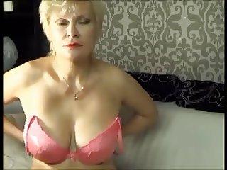 60 yo Granny capture