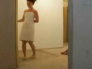 Exhibitionists innocent towel drop