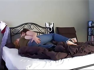 Amateur girls trying out to have lesbian sex