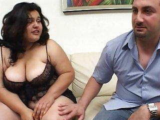 Threesome fucking fat hottie loves it