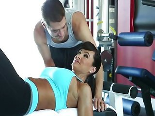 Big tits MILF gets fucked at the gym