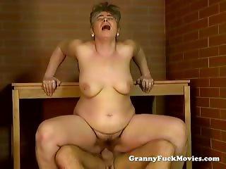Hairy granny porn video
