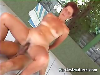 Mature housewife fucking lifeguard