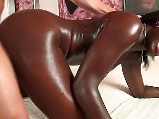 Callboy fickt eine schwarze Frau