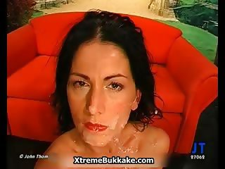 Brunette slut loves sucking dick part1