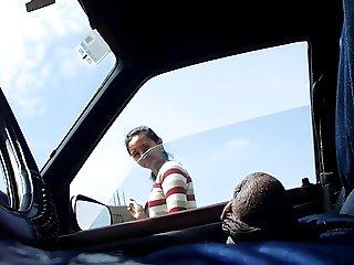FLASHING COCK ON CAR