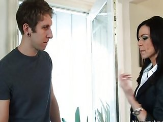 Milf Kendra Lust gives lessons in fucking