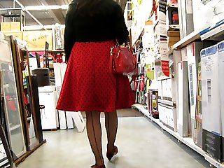 crossdresser upskirt no panty