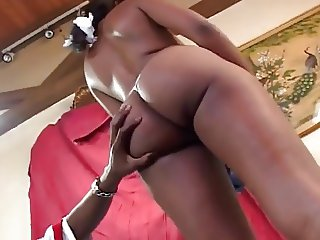 Hot Ebony Puffy Nipples perfect body to fuck