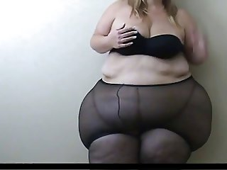SSBBW Struggles Into Pantyhose