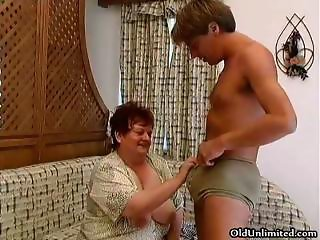 Old fat woman sucking hard in a guys part5
